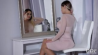 Endless legs sexy high heels of Vittoria Dolce lead to hardcore anal strapon fuck