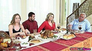 Moms Bang Teen Naughty Family Thanksgiving