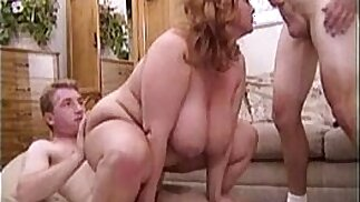 The big titted blonde Mindy Jo is beading the pussy and mouth