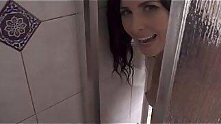 La mamma fa la doccia con il figlio parte 4