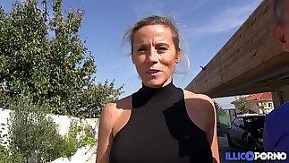 Sabrina squirt, baise et jouit devant son mari Full Video