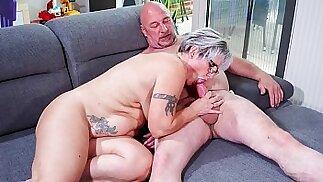 HAUSFRAU FICKEN Chubby German granny fucks her husband during mature amateur tape