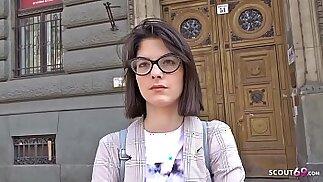 GERMAN SCOUT 18 Jahre junge Studentin Sara AO Anal gefickt bei echten Casting nach der Uni