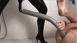 Level Plug My Butt, Mistress